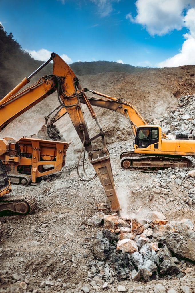 Hydraulic crusher and track type excavator backhoe machinery working